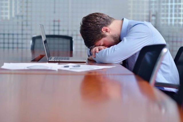 Заговор от неприятностей на работе: читать, от беды и врагов, жизненных проблем