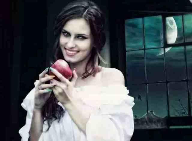 Заговор на яблоко: читать на любовь, мужчины, тоску