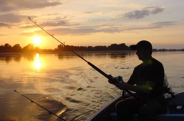 Ловить рыбу во сне: для мужчины и женщины, толкование по сонникам, к чему снится и что означает рыбалка