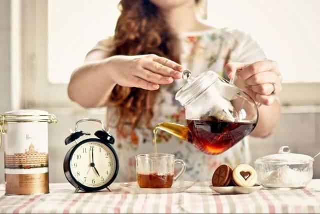Примета разлить чай на себя, на стол