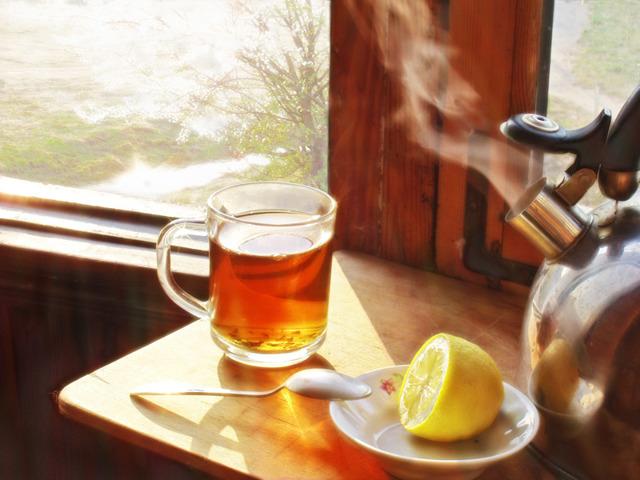 Ложка в кружке: примета, пить чай с ложкой в кружке, почему нельзя