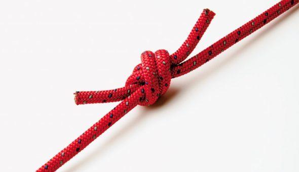 Порвалась красная нить на запястье: что делать, развязался узел, растянулась, потерялась