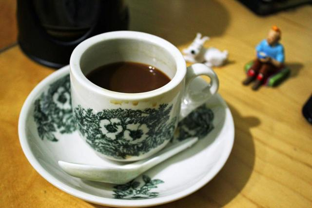 Примета: рассыпать кофе, пролить на себя
