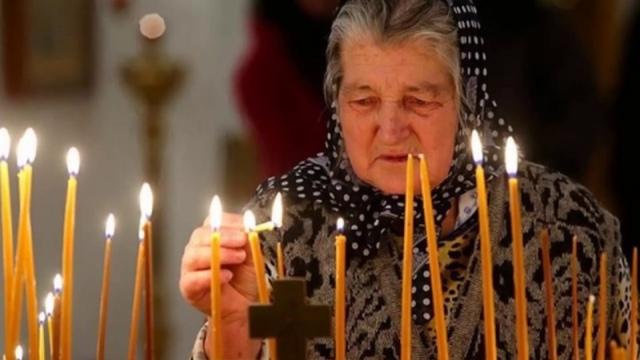 Молитва за внуков: сильная, ежедневная, защита над ними